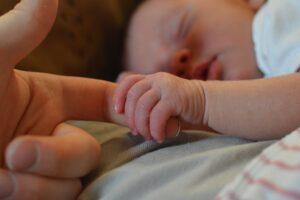 La mejor guía para compradores de termómetros para bebés 2020